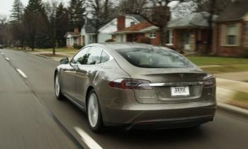2015 Tesla Model S 70D: Around the Block