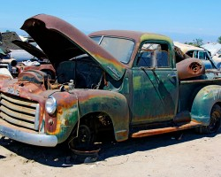 Junkyard Rescue! Saving a 1950 GMC Truck – Roadkill Ep. 31