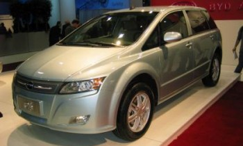 Tesla and Nissan trumped by BYD in world EV sales