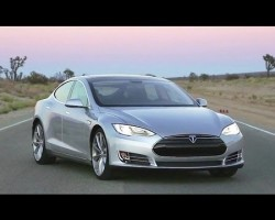 2013 Tesla Model S – The Quickest Sedan Built in America – Ignition Episode 38