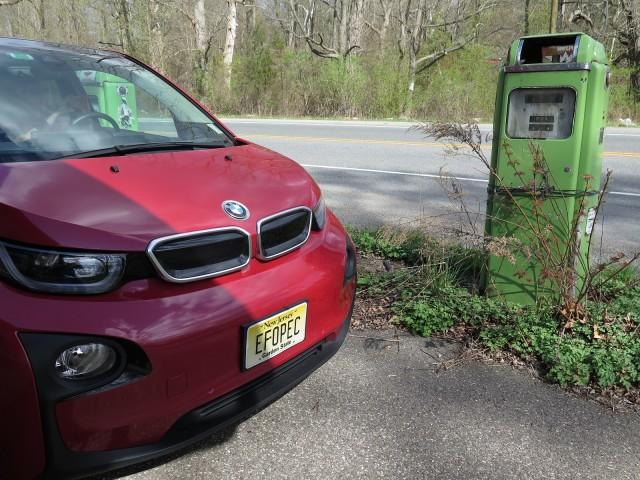 Tesla 100D models, VW diesel owners, '1,000-MPG' BMW, CAFE denial: The Week in Reverse