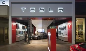 Honda spy shots, Tesla stores, lousy headlights, electric-car sales: Today's Car News