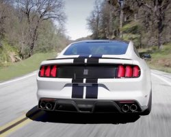 Shelby GT350 Sights & Sounds – Beauty, Exhaust, Fly-by – Everyday Driver