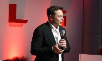 Musk: 37 of 40 Tesla Model S suspension complaints were fraudulent