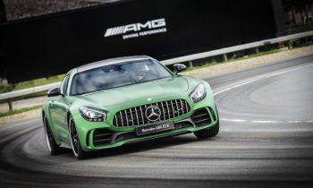 2018 Mercedes-AMG GT R storms the Nürburgring