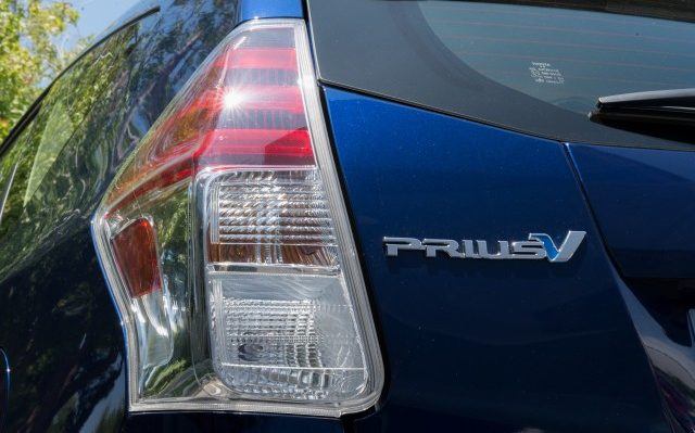 Tesla wireless charging, Toyota hybrid sales, 2017 Honda Fit: Today's Car News
