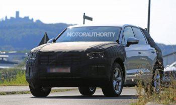 2018 VW Touareg spy shots
