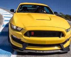2016 Ford Mustang Shelby GT350R Hot Lap! – 2016 Best Driver's Car Contender