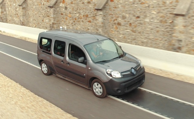 Dynamic wireless electric car charging testing using a Renault Kangoo Z.E.