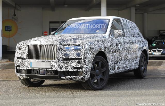 2019 Rolls-Royce Cullinan spy shots - Image via S. Baldauf/SB-Medien