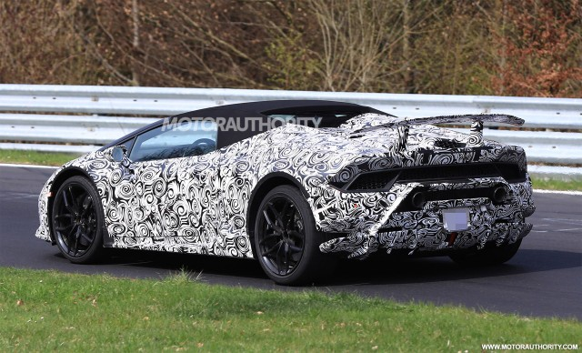 lamborghini hurac n performante spyder tipped for geneva debut the automotive news. Black Bedroom Furniture Sets. Home Design Ideas