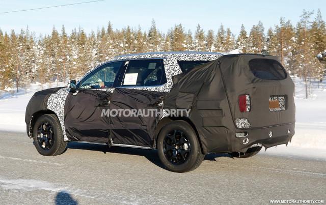 2020 Hyundai full-size SUV spy shots - Image via S. Baldauf/SB-Medien