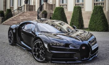 A London dealer built a Bugatti Chiron in fully exposed carbon fiber