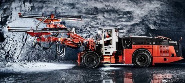 Sandvik DD422iE in Goldcorp Borden mine